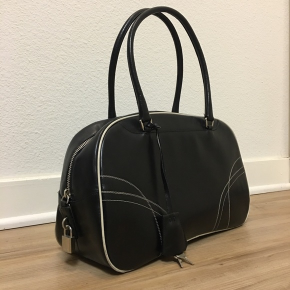 fc5389e2b02c Vintage Prada black leather bowler bag